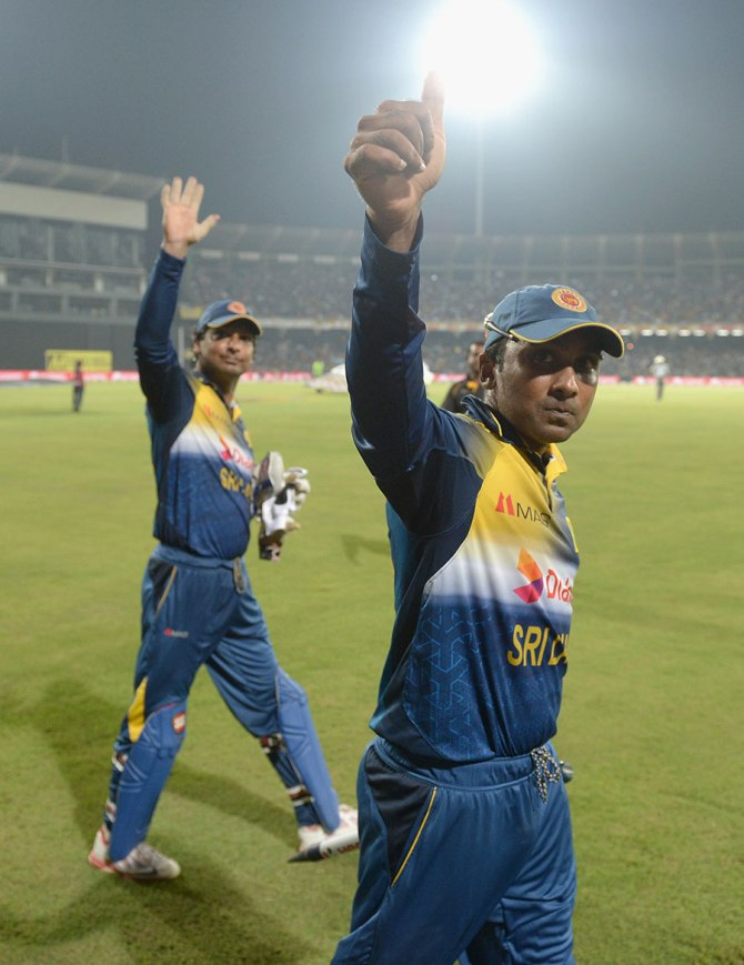"""""""Sangakkara and Jayawardene have carried the burden of the country and thrilled people every time"""""""