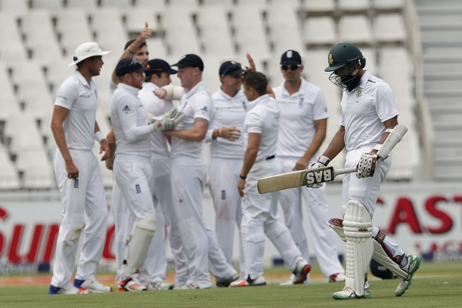 None of South Africa's batsmen were able to press on after making an encouraging start