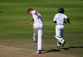Broad took his anger out on the pitch after Bavuma was dropped on 77