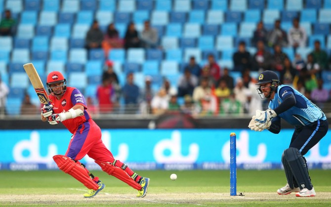 Hodge hammered five boundaries and two sixes during his unbeaten innings of 65
