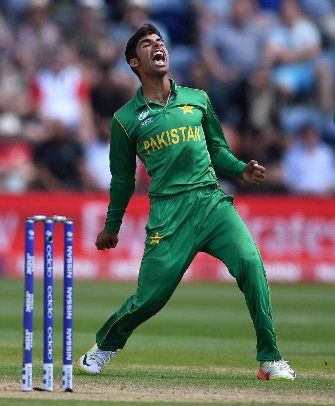 Shadab Khan Brisbane Heat Pakistan BBL cricket