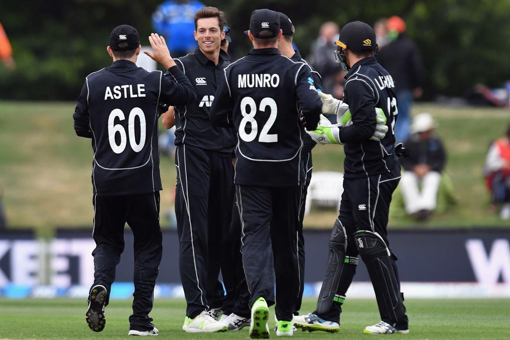 Rain halts play in Christchurch ODI