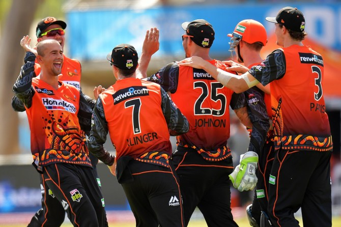 Ashton Agar three wickets 26 Perth Scorchers Adelaide Strikers Alice Spring BBL cricket