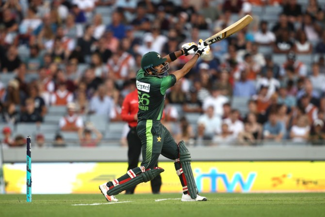 Babar Azam 50 New Zealand Pakistan 2nd T20 Auckland cricket