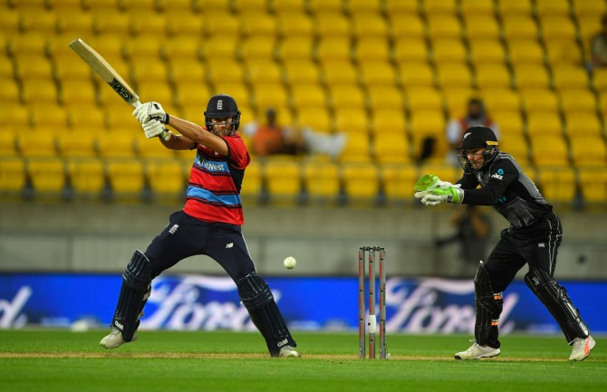 Dawid Malan 59 New Zealand England T20 tri-series Wellington cricket