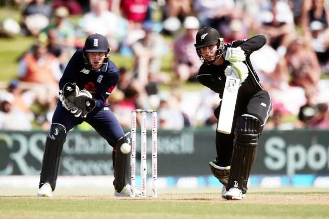 Martin Guptill 50 New Zealand England 2nd ODI Mount Maunganui cricket