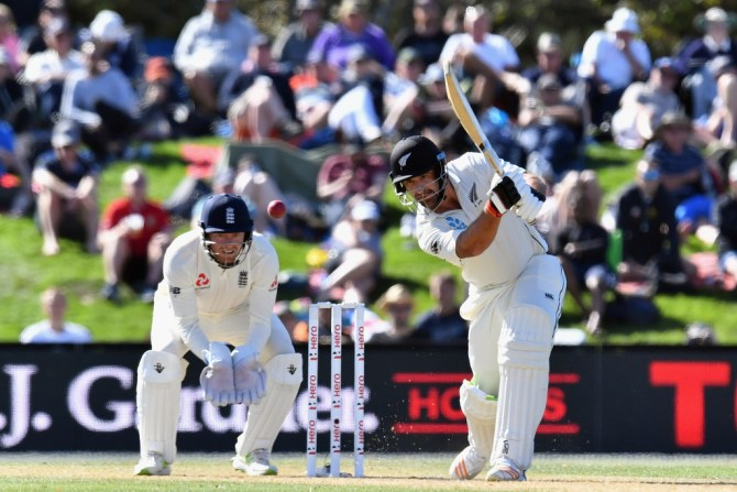 Colin de Grandhomme 72 New Zealand England 2nd Test Day 2 Christchurch cricket