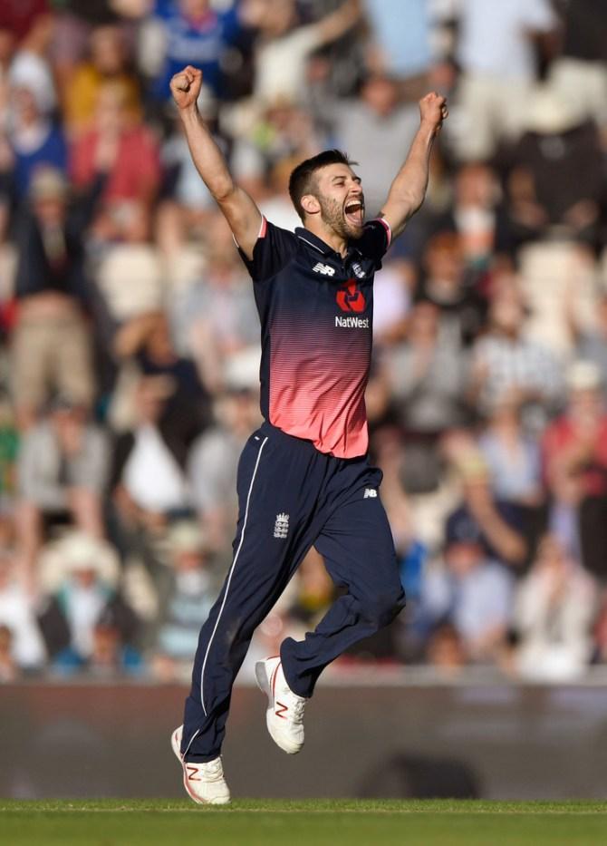 Mark Wood MS Dhoni Dwayne Bravo Chennai Super Kings Indian Premier League IPL cricket