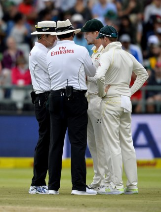 Cameron Bancroft accused ball tampering yellow item pocket down trousers South Africa Australia 3rd Test Day 3 Cape Town cricket