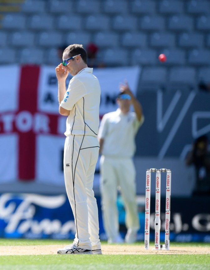 Todd Astle ruled out 2nd Test England Christchurch side strain New Zealand cricket