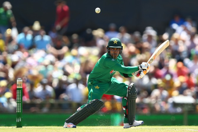 Umar Akmal Waqar Younis threatened throw him out national team if he did not wicketkeep Pakistan cricket