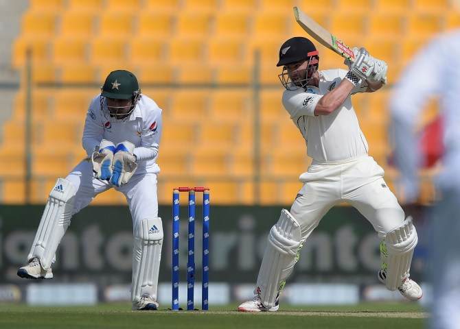 Kane Williamson 63 Pakistan New Zealand 1st Test Day 1 Abu Dhabi cricket