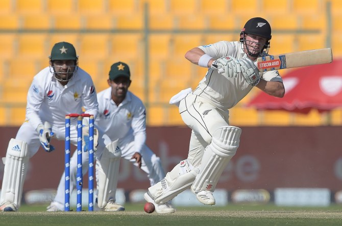 Henry Nicholls 55 Pakistan New Zealand 1st Test Day 3 Abu Dhabi cricket
