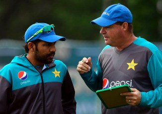 Ehsan Mani plays down rumours of a rift between Sarfraz Ahmed and Mickey Arthur Pakistan cricket