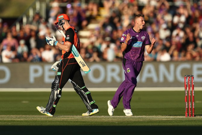 Riley Meredith three wickets Hobart Hurricanes Perth Scorchers Big Bash League BBL 13th Match cricket