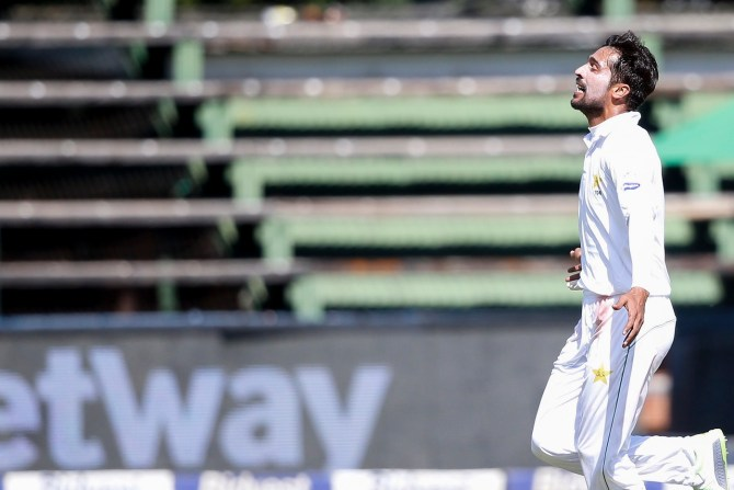 Mohammad Amir angry Sarfraz Ahmed criticism pace bowlers Pakistan South Africa 3rd Test Johannesburg cricket