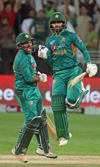 Sarfraz Ahmed believes Mohammad Hafeez and Shoaib Malik are the backbone of the Pakistan team World Cup cricket