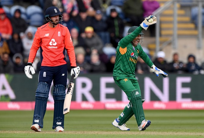 Babar Azam to be Pakistan's back-up wicketkeeper during the World Cup cricket