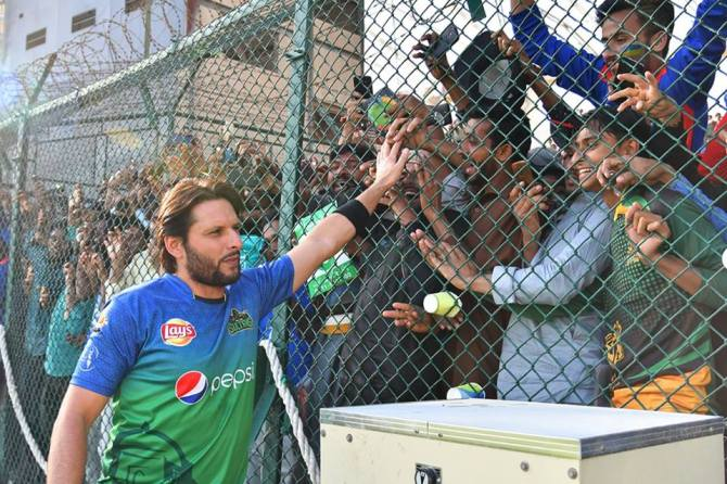 Shahid Afridi believes Mohammad Amir and Wahab Riaz should be in Pakistan's World Cup squad cricket