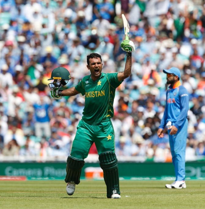 Wasim Akram reveals that India and Pakistan's cricketers can become World Cup heroes if they perform when both countries meet each other at the World Cup cricket