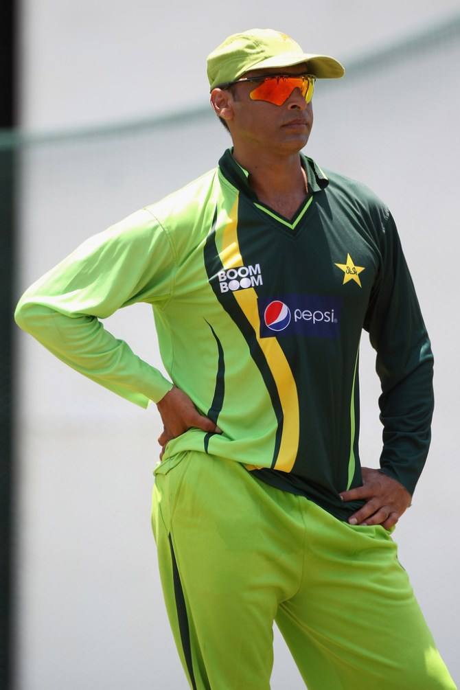 Shoaib Akhtar believes Hasan Ali and Mohammad Amir should be Pakistan's new ball bowlers during the World Cup cricket