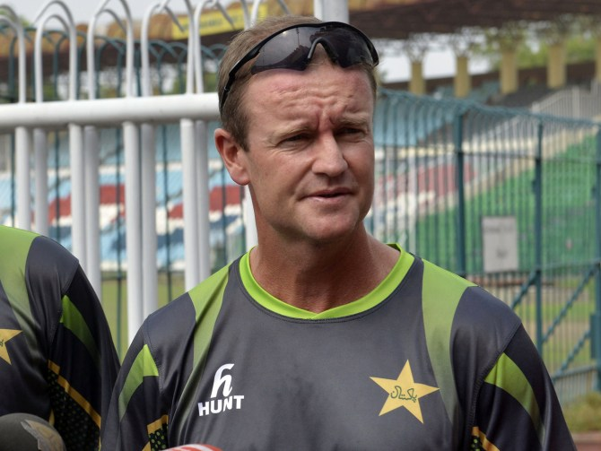 Grant Flower insists there is no truth in the rumours that he will be leaving as Pakistan's batting coach after the World Cup cricket