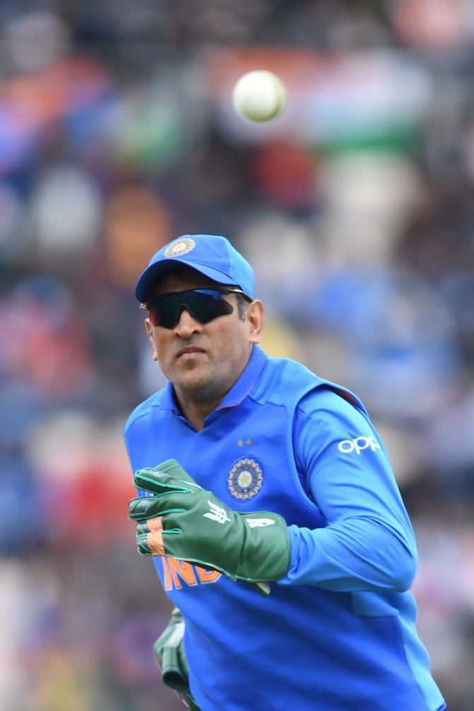 PCB chairman Ehsan Mani complains to ICC over army insignia on India wicketkeeper-batsman MS Dhoni's keeping gloves World Cup cricket