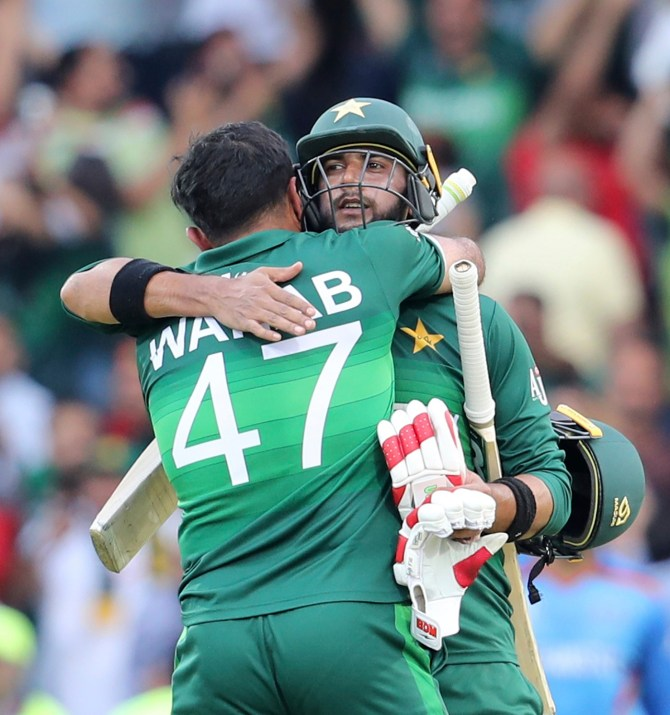 Sarfraz Ahmed praises Imad Wasim for leading Pakistan to victory against Afghanistan World Cup cricket