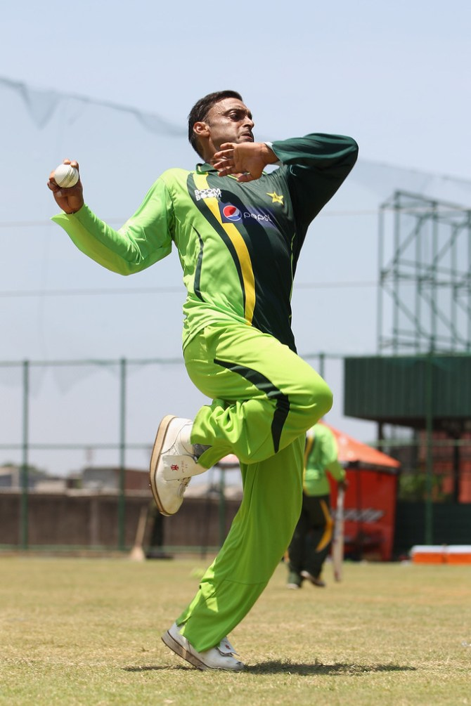 Shoaib Akhtar said Mohammad Amir is wrong to say he hasn't gotten enough chances