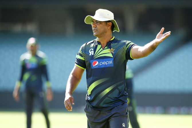 Waqar Younis said the national team doesn't need Mohammad Hafeez as a bowler right now