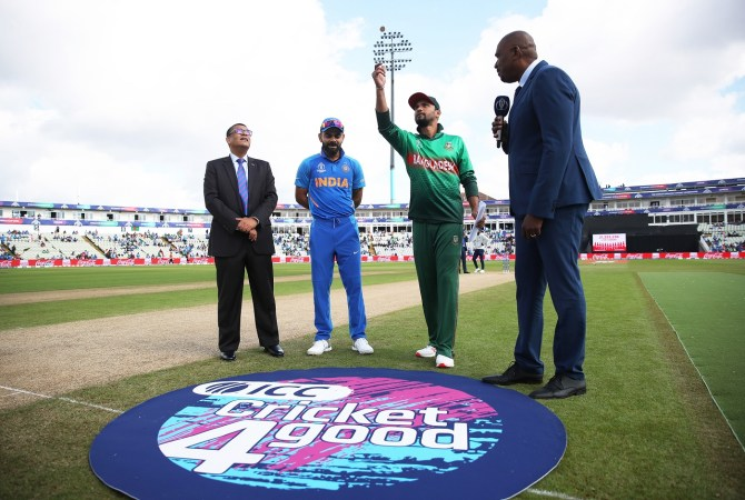 Pakistan Foreign Minister Shah Mehmood Qureshi has accused India of stopping Bangladesh from touring Pakistan cricket