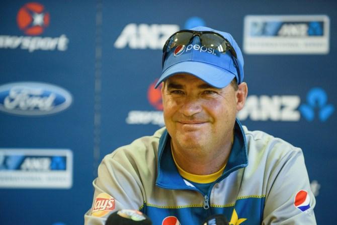 Mickey Arthur sends friendly warning to Pakistan team ahead of Sri Lanka Test series cricket