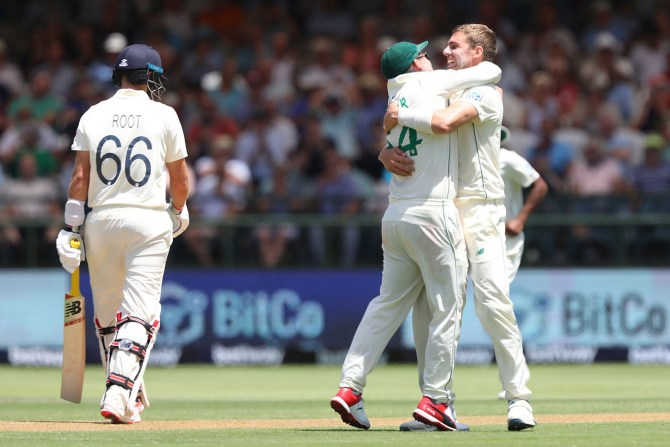 South Africa seamers star on 1st day of the 2nd Test against England Cape Town cricket
