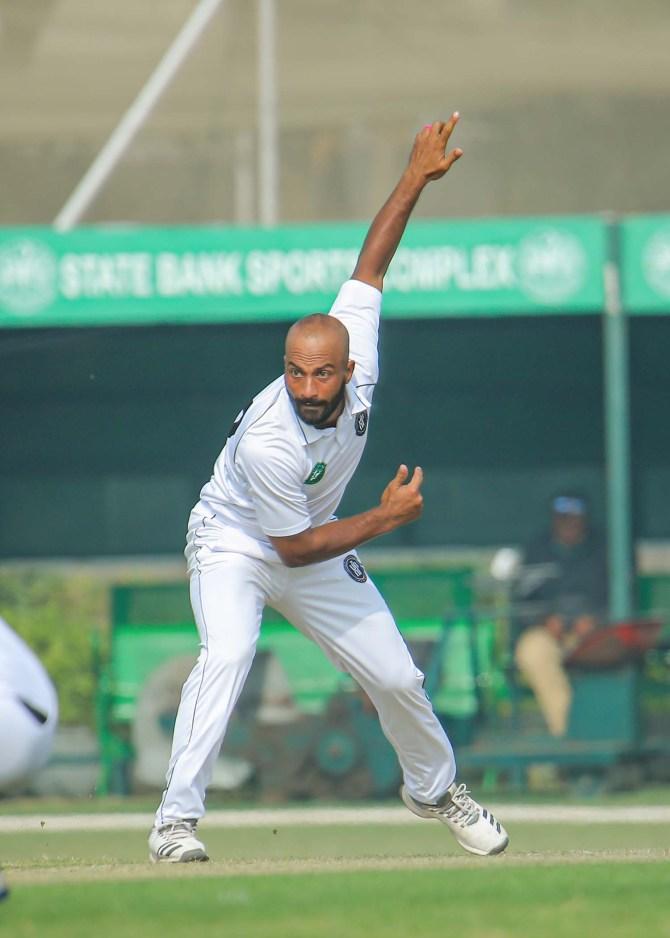 Pakistan spinner Sajid Khan said he is working with Saqlain Mushtaq to get better