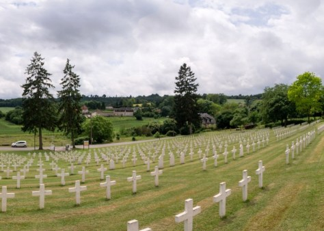 View to east from war cemetary in Craonnell, situated on the slope of the plateau.