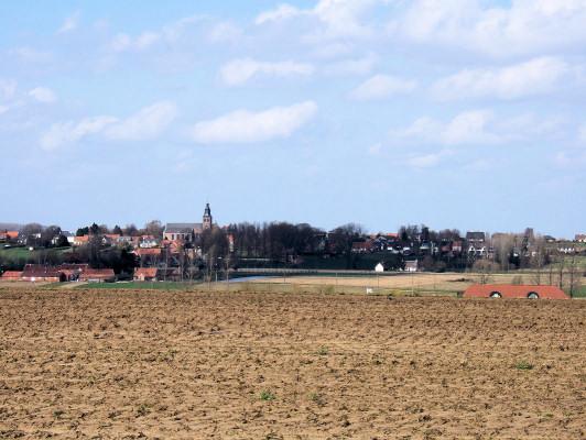 (B) High ground near Ooike looking north-east towards Huise.