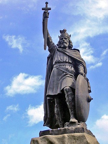 King Alfred the Great Statue in Winchester