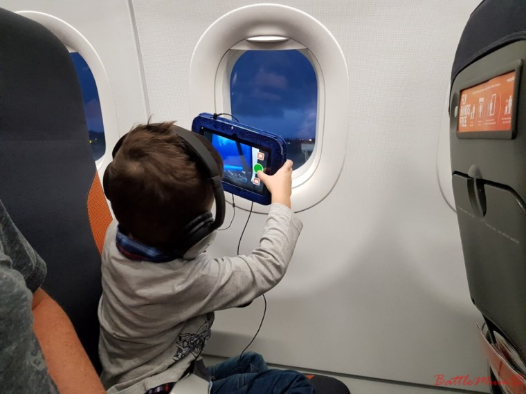 mid-week stay at bluestone - ~BattleKid taking pictures out the airplane window