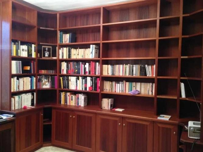 grande bibliothèque meuble en bois sur mesure artisan paris 75