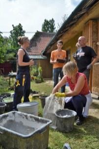 2016-08-strohballen-lehm-tadelakt-workshop-54