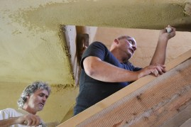 Workshop-2017-08-strawbale-clay-tadelakt32