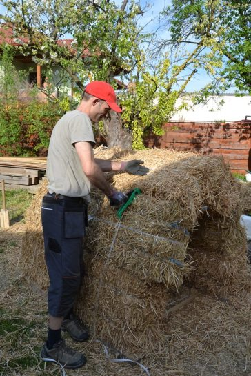 strawbale-workshop-4-2018-60