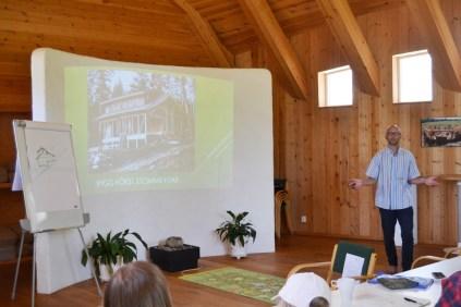 ecotopia-2018-strawbale-workshop-30a