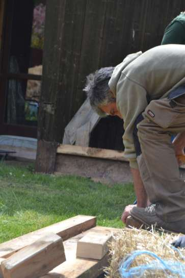 STEP-U3-load-bearing-straw-bale-training-14