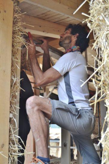 agotzenea-zubiri-navarra-straw-bale-training-40