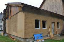 step-4-2020-wrapping-strawbale-1