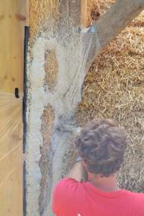 step-5-2020-lime-plaster-on-straw-bale-108