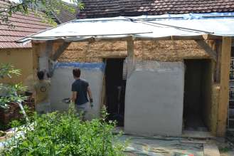 step-5-2020-lime-plaster-on-straw-bale-158