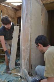 step-5-2020-lime-plaster-on-straw-bale-78