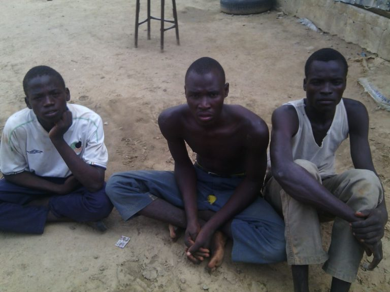 Troops Nabs Terrorists Planting IEDS on Routes
